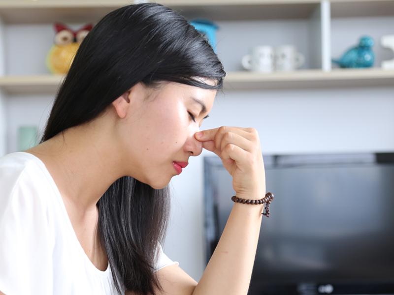 bị viêm xoang có nâng mũi được không